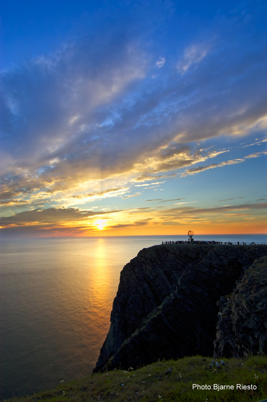 bilder/Midnight-sun-North-Cape-BjarneRiesto VISNOR-001.jpg